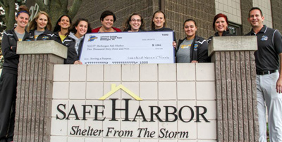 Lakeland women's tennis team donates to Safe Harbor